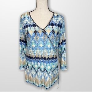 Hearts of Palm V-Neck Embellished Top Size Small